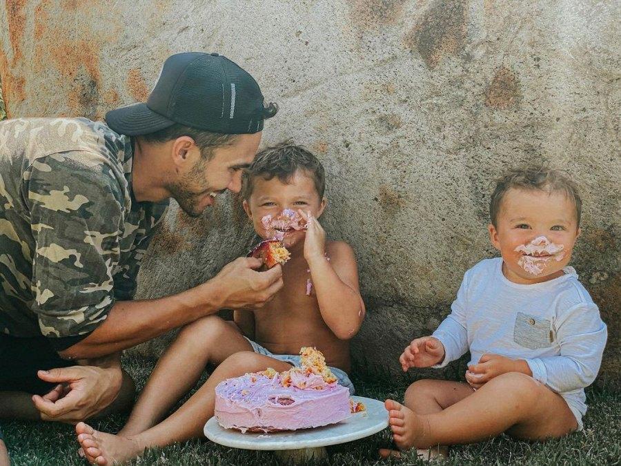 Alexa PenaVega and Carlos PenaVega Cake Reveal Ocean King PenaVega Kingston James Penavega