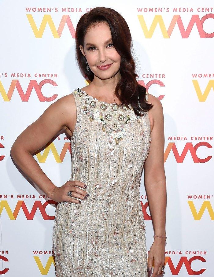 Ashley Judd está 'agradecida' después de someterse a una cirugía de 8 horas por una lesión en la pierna