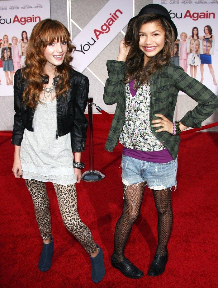 Bella Thorne y Zendaya Coleman en 2010 Bella Thorne reflexiona sobre el enfrentamiento con su costar Zendaya de Shake It Up y dijo que al principio no éramos amigos