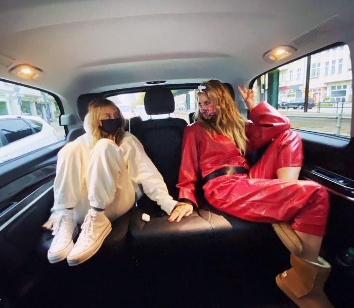 Heidi Klum Kisses Look-Alike Daughter Leni, 16, in Sweet Shot
