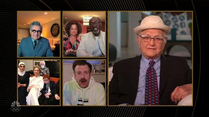 Jason Sudeikis se sorprende al saber que Norman Lear tiene casi 99 años en los Globos de Oro 2021