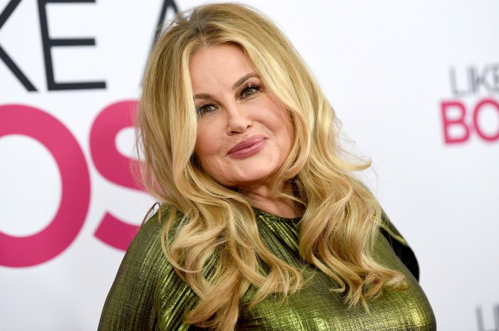 Jennifer Coolidge Says She Once Pretended to Have an Identical Twin So She Could Date 2 Men at Once