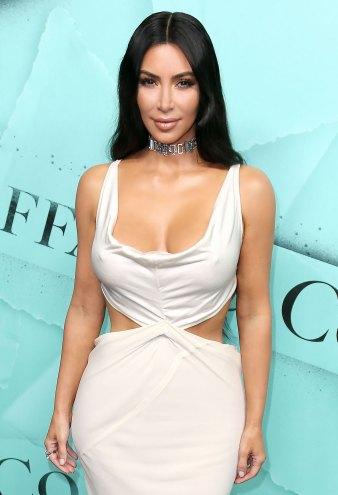 Kim Kardashian's Throwback Pics Are a Major 90s Vibe