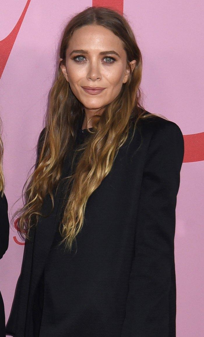Mary-Kate Olsen descubierta con el CEO de Brightwire, John Cooper, un mes después de la separación de Olivier Sarkozy