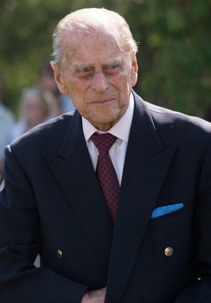 El príncipe Felipe probablemente 'permanecerá en el hospital' después de sentirse enfermo