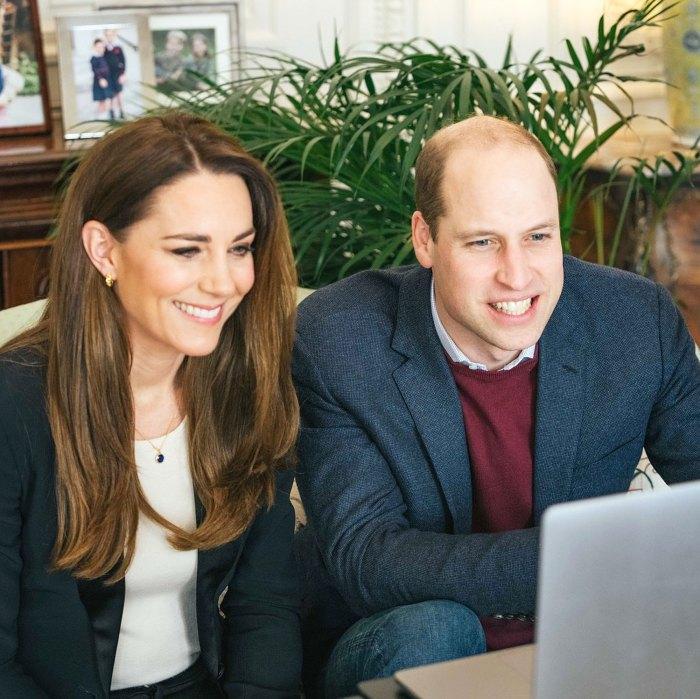 El príncipe William y Kate Middleton comparten una rara foto nunca antes vista de niños con camisas de camuflaje