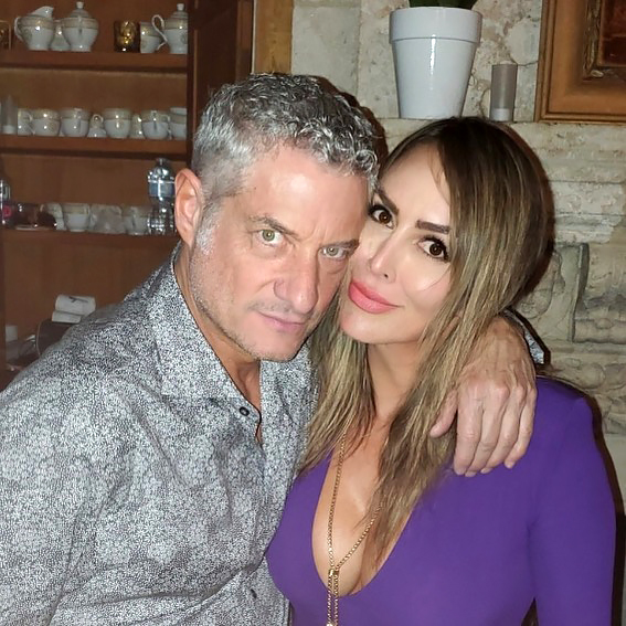 Kelly Dodd de RHOC suplica a la madrastra de su esposo Rick Leventhal: 'Dejen de hablar de nosotros' en medio de la controversia de COVID