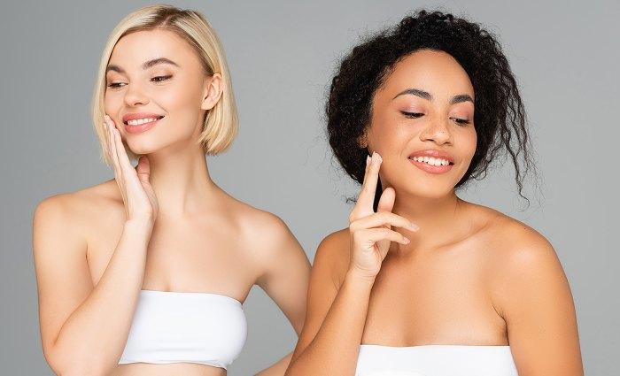 mujer-aplicando-crema-facial