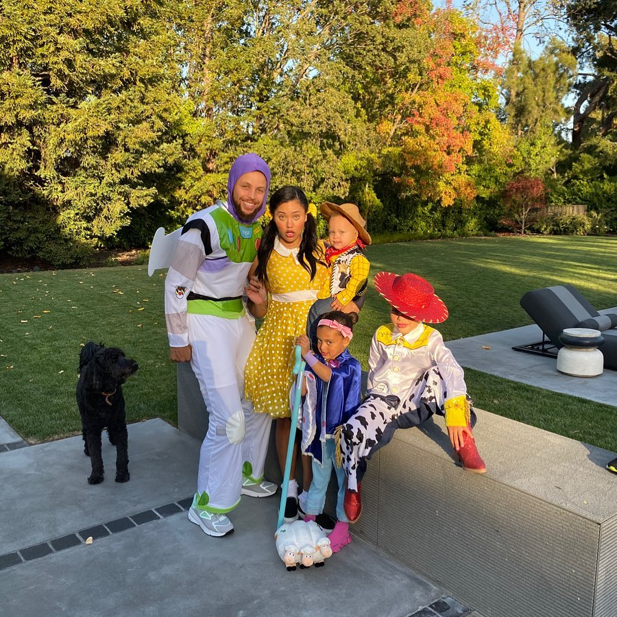 5 October 2019 Stephen Curry and Ayesha Curry's Family Album With 3 Kids