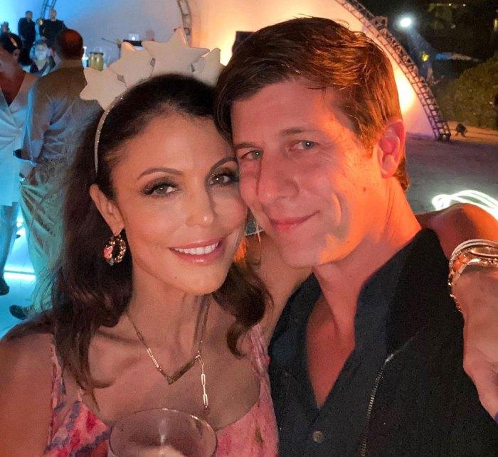 Bethenny Frankel se burla de los detalles de la boda después del compromiso de Paul Bernon