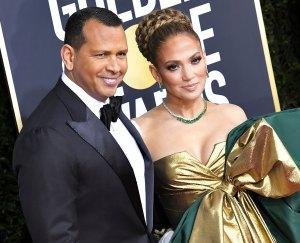 Jennifer Lopez and Alex Rodriguez Show PDA After Denying Split Rumors