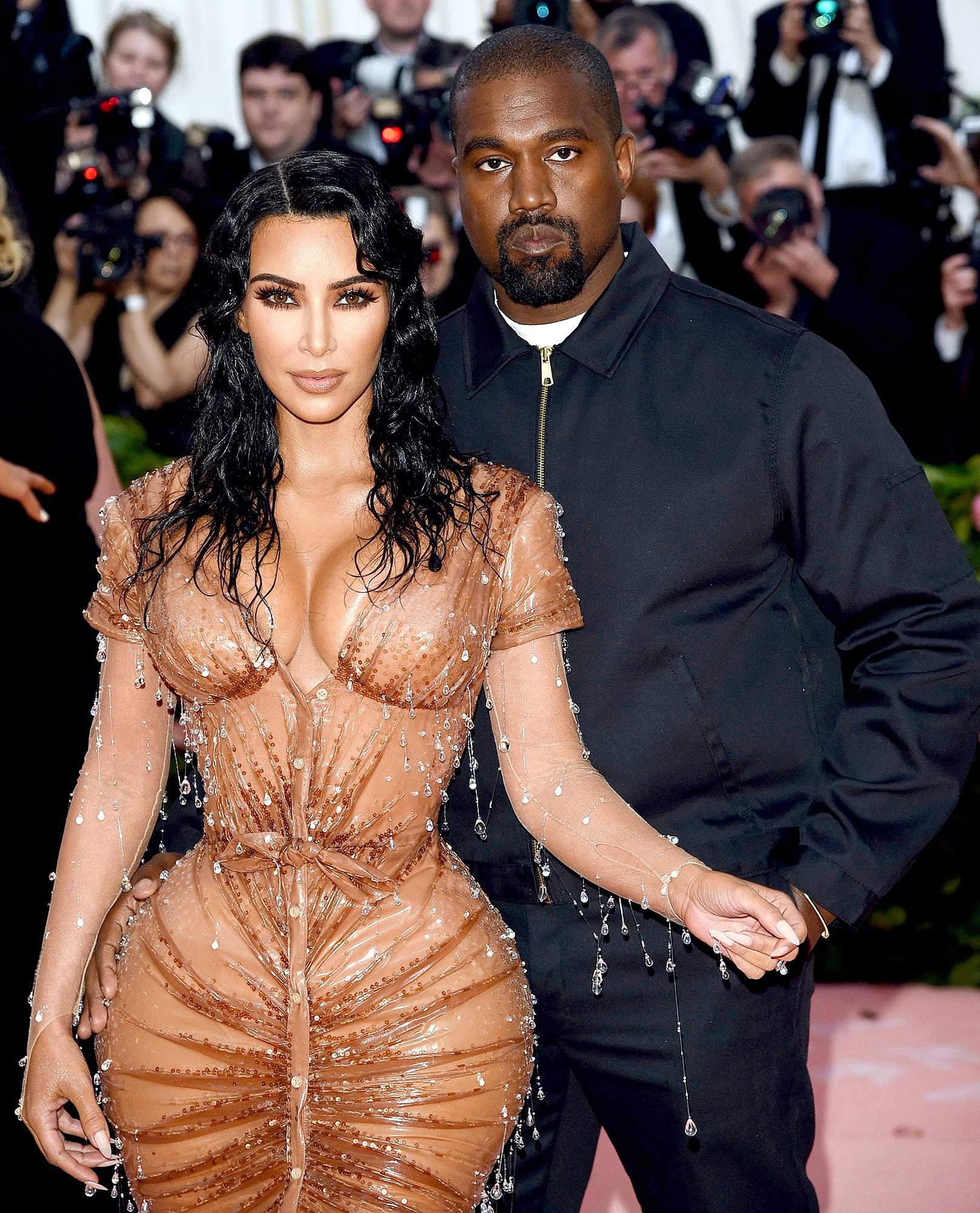 Kris Jenner How Kim Kardashian Is Coping Amid Kanye West Divorce