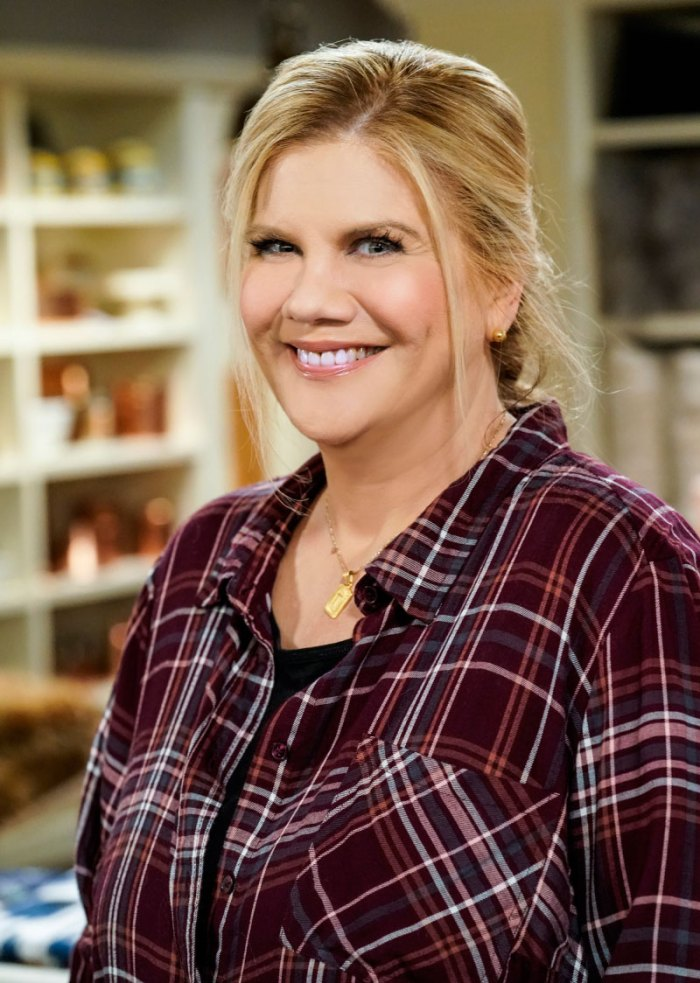 Kristen Johnston Compares Past Drug Use to a Very Abusive Relationship Mom