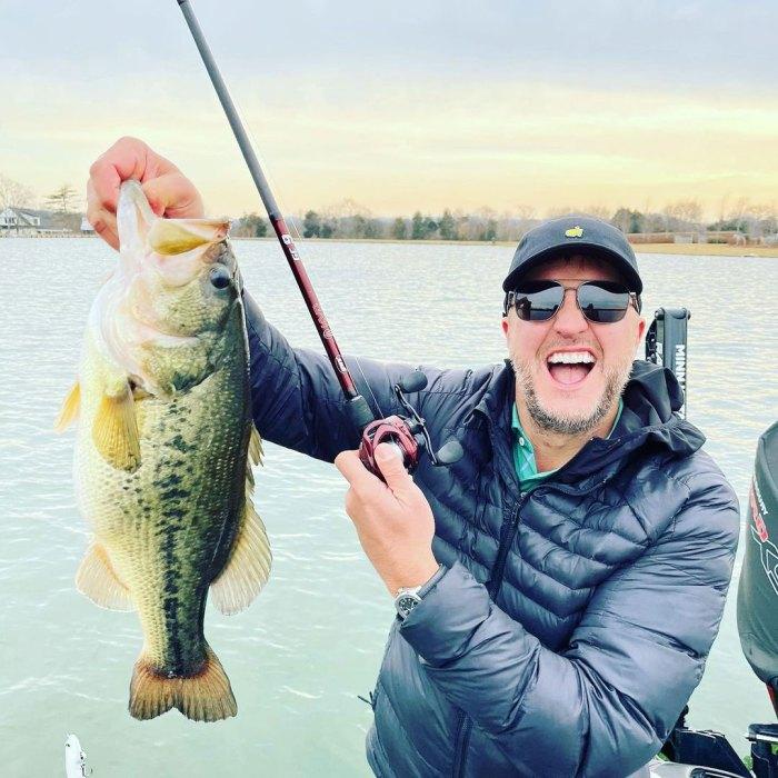 Luke Bryan Injures His Finger With Fishing Hook