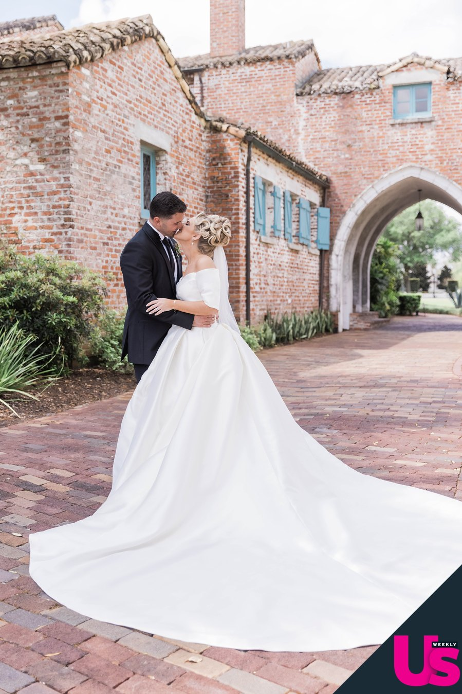 Nicole Franzel and Victor Arroyo Marry in Florida Amid First Pregnancy exc
