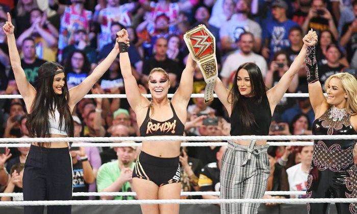 Brie Bella Ronda Rousey Nikki Bella y Natalya durante el WWE SummerSlam Nikki Bella quiere otro bebé con Artem Chigvintsev pero también quiere un regreso a la WWE