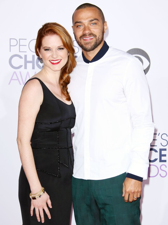 Sarah Drew y Jesse Williams asisten a los People's Choice Awards en 2015 Sarah Drew y Jesse Williams se reúnen en Greys Anatomy Set