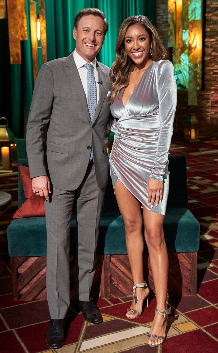 La copresentadora de 'The Bachelorette', Tayshia Adams, dice que habló con Chris Harrison sobre su reemplazo: 'Él era tan amable'