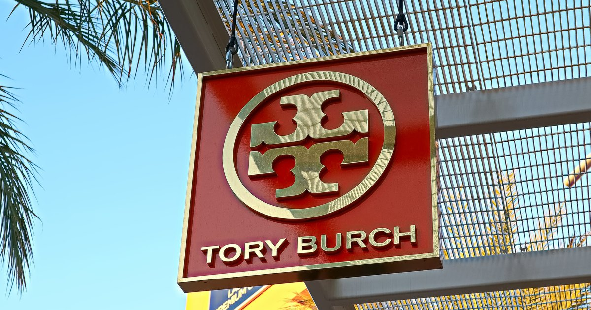 Take an Extra 25% Off Select Styles at Tory Burch's Semi-Annual Sale Right Now.jpg
