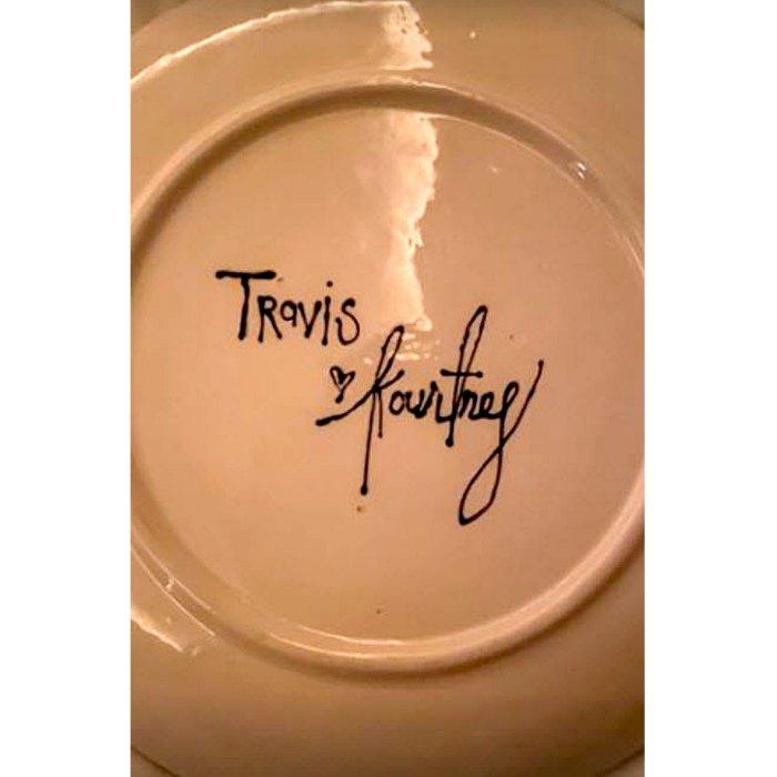 Travis Barker Sweetly Shows His Devotion Kourtney Kardashian