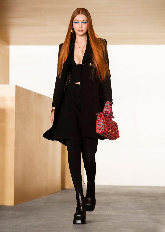 Mira a Gigi Hadid regresar a la pasarela con el pelo rojo ardiente