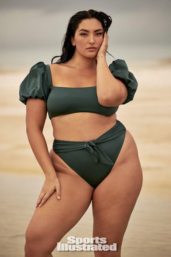 Yumi Nu es la primera modelo asiática de curvas en la edición de 'Sports Illustrated Swimsuit'