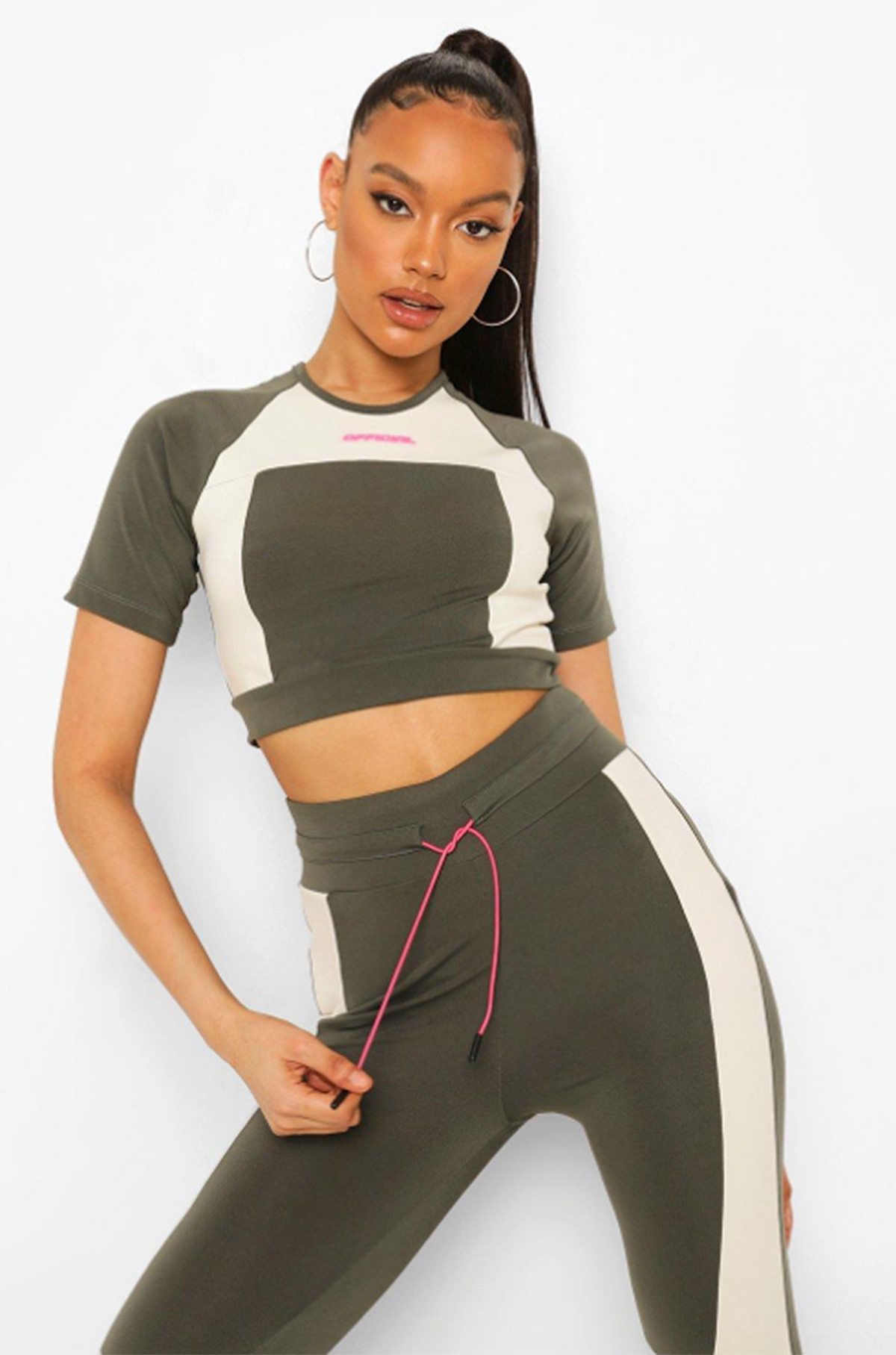 boohoo-activewear-crop-top