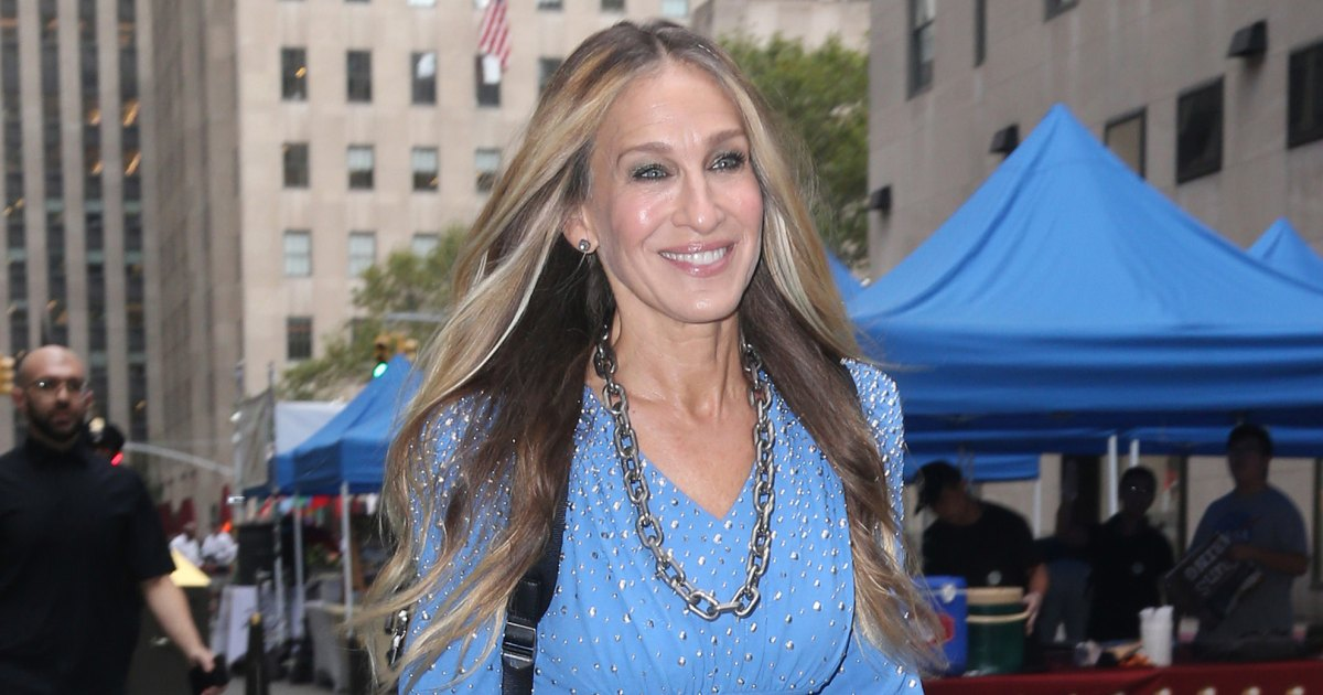 These Grey Joggers Will Help You Recreate Sarah Jessica Parker's City-Casual Look.jpg