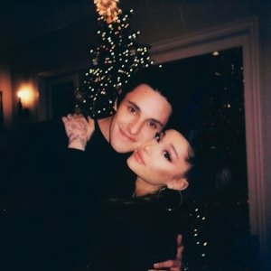 Ariana Grande Dalton Gomez Are Officially Married Details