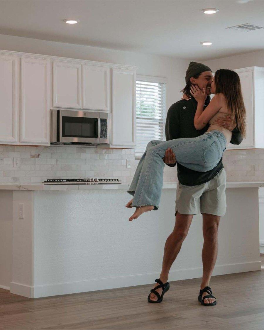 Bachelors Caelynn Miller-Keyes Dean Unglert Become Homeowners Vegas