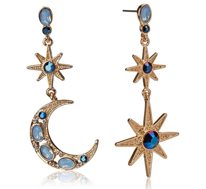 Pendientes colgantes con luna celestial y estrella de Betsey Johnson