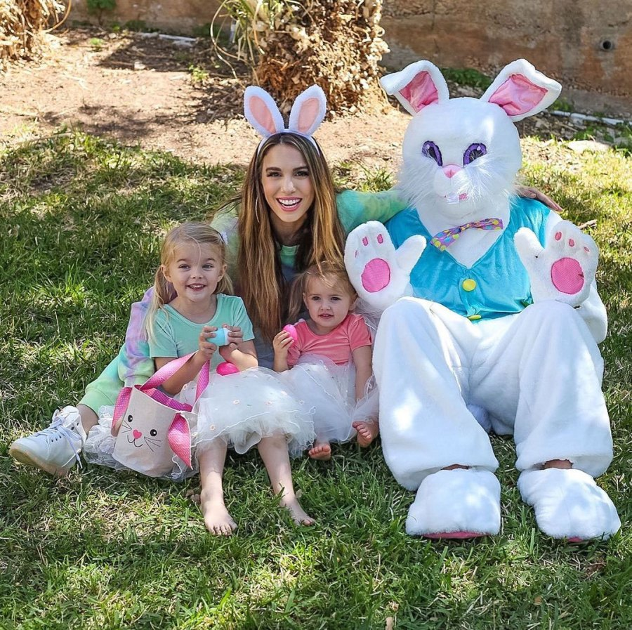 Christy Carlson Romano Parents Dress Kids in Festive Easter Outfits Andrew Jones Photographer