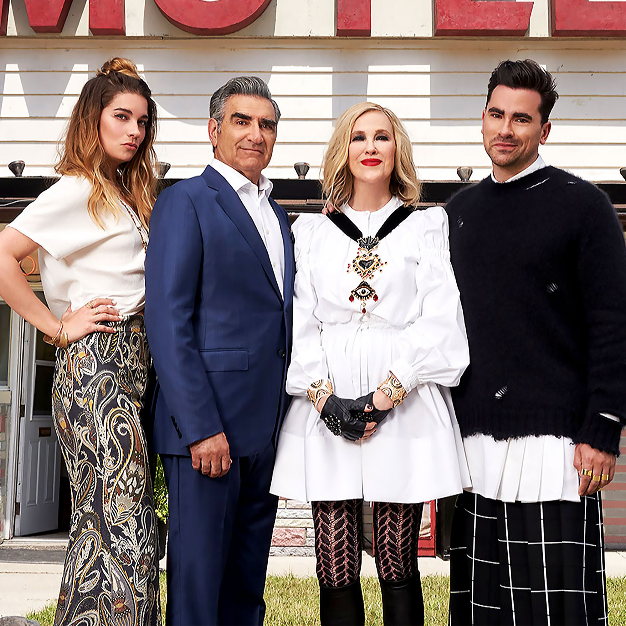My family pies s2 e2 casrt Everything The Schitt S Creek Cast Has Said About A Possible Movie