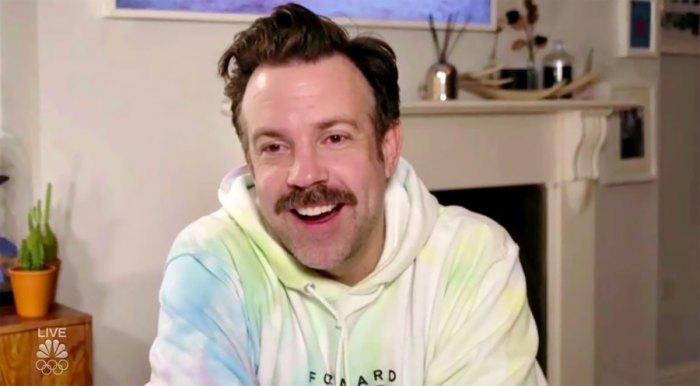 Jason Sudeikis está considerando su elección de sudadera con capucha para los SAG de 2021