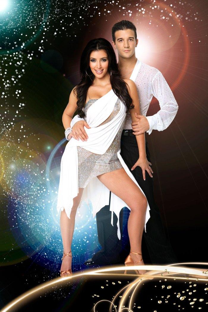 Kim Kardashian bailando con las estrellas