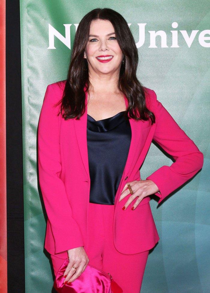 Lauren Graham Asks Twitter for Help Settling the Skinny Jean Debate