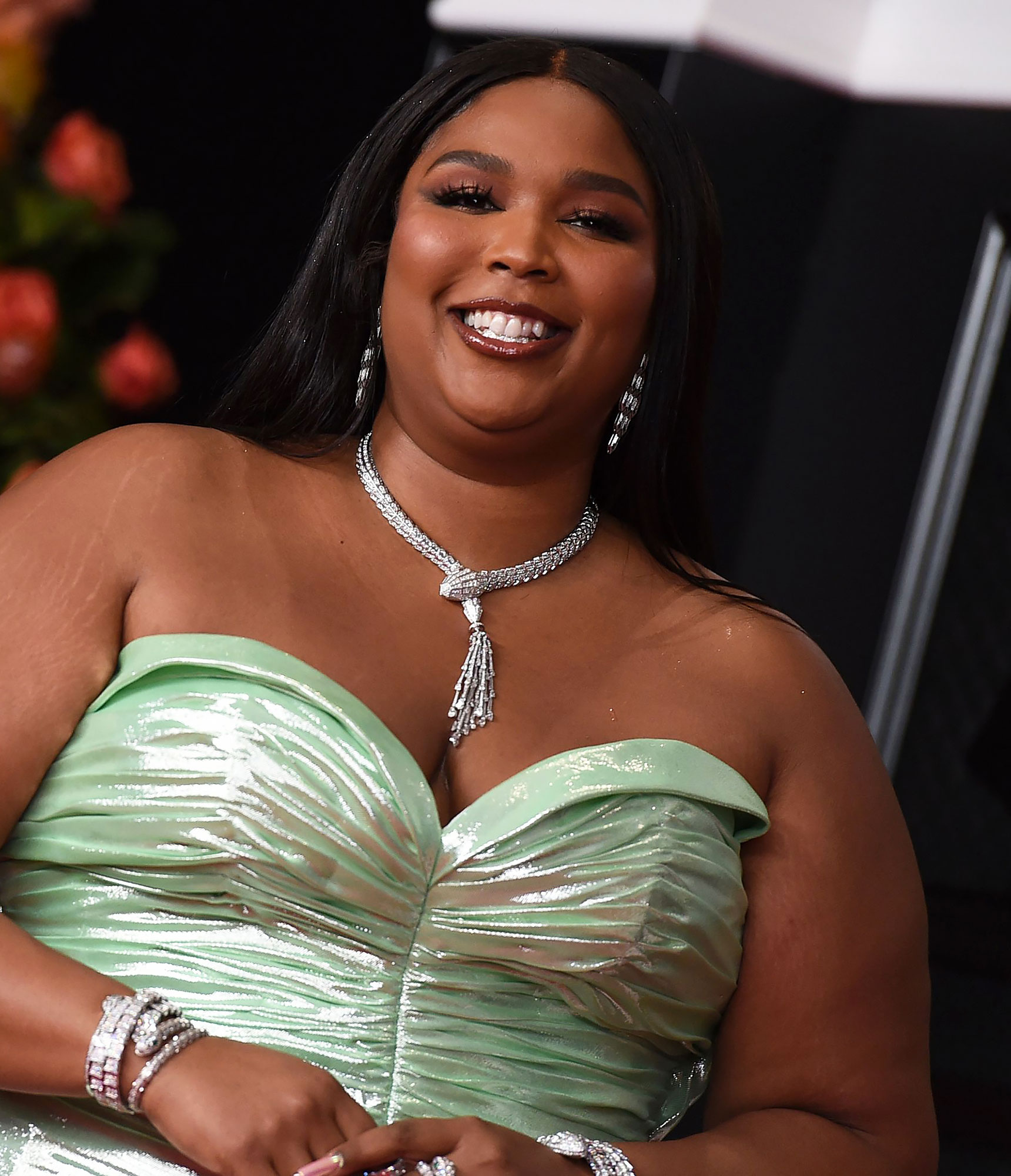 Au Natural! Lizzo Shares Unedited Nude Selfie for #DoveSelfEsteemProject