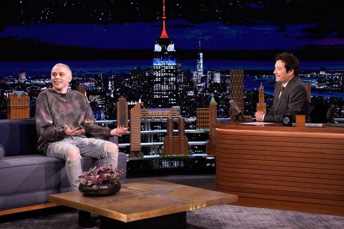 Pete Davidson es la razón por la que Alec Baldwin dejó caer 100 libras Jimmy Fallon Tonight Show
