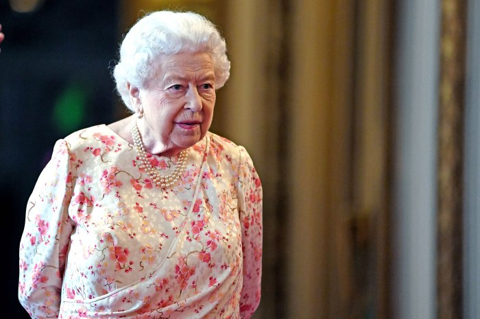 Queen Elizabeth Attends 1st Royal Duty Since Prince Philip Death 2