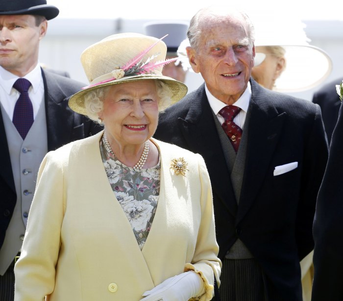Queen Elizabeth II Shares Loving Tribute to Late Husband Prince Philip 1 Day After His Death