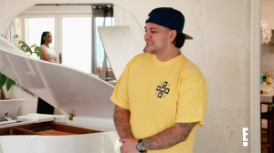 Rob Kardashian Shows Off Weight Loss in Rare KUWTK Appearance 4