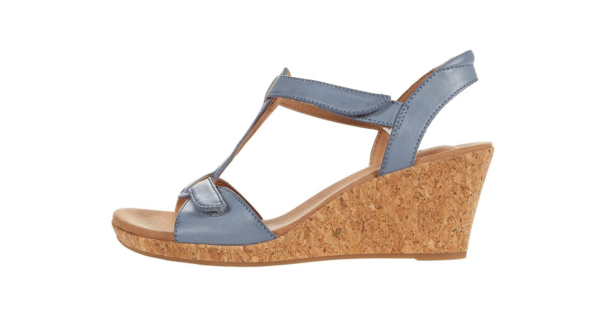 5 Plantar Fasciitis-Friendly Sandals That Are Seriously Stylish.jpg
