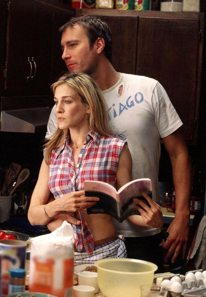 Sarah Jessica Parker tiene una respuesta críptica después de que John Corbett confirmara el regreso de Sex and the City 2
