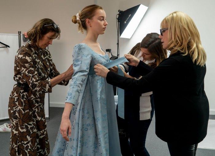 ¡Paseos!  ¡Pelotas!  Los mejores vestidos y trajes 'Bridgerton' de la temporada 1