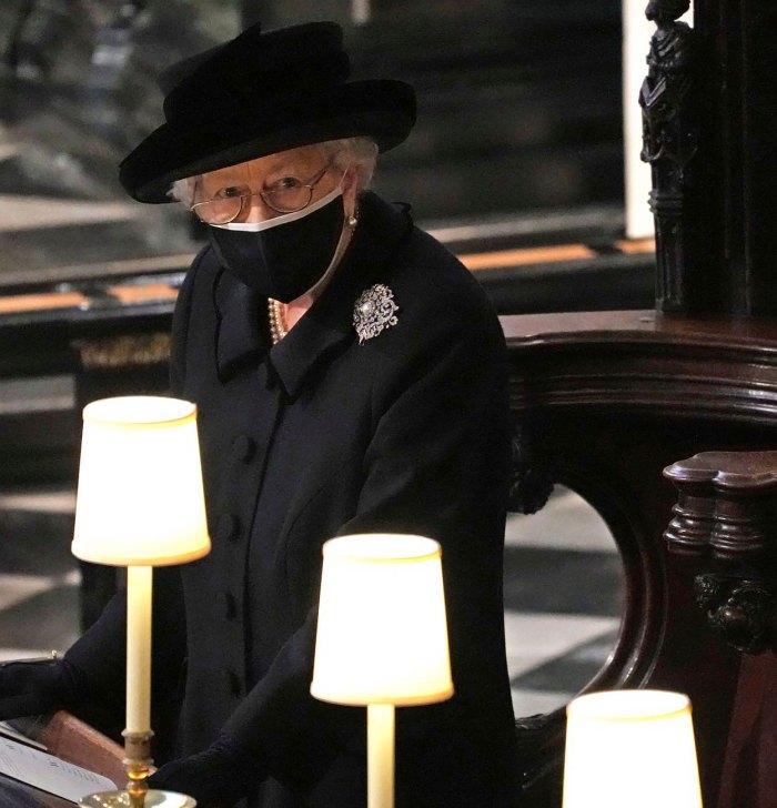El simbolismo detrás del broche de la reina Isabel en el funeral del príncipe Felipe