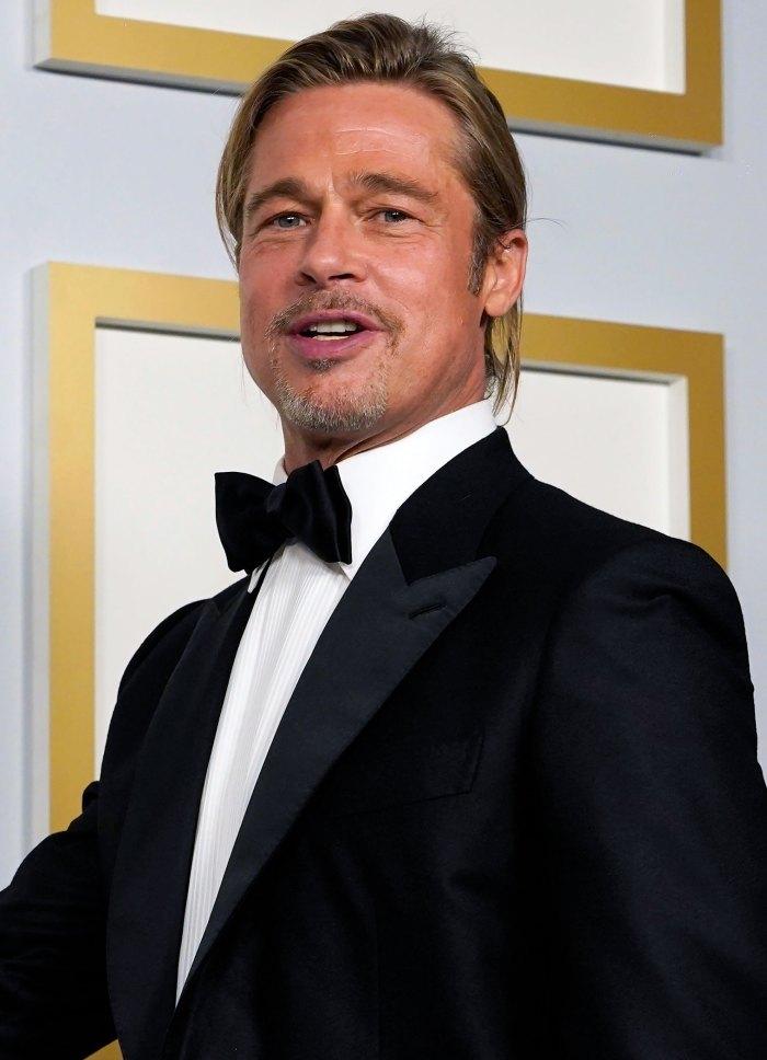 Twitter se está volviendo loco por Brad Pitts Man Bun en los Oscar