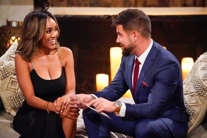 Zac Clark dice que Tayshia Adams está 'nerviosa' por presentar 'Bachelorette', reacciona al papel de Blake Moynes en la próxima temporada