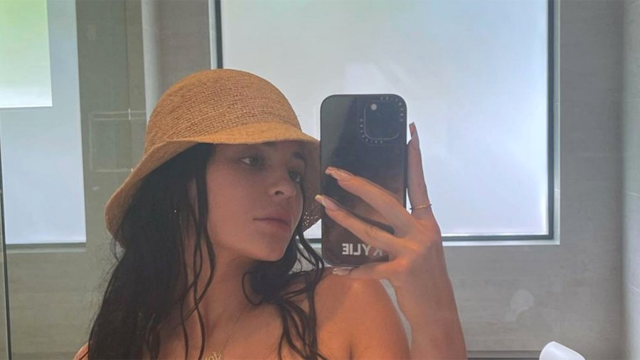 kylie-jenner-straw-hat