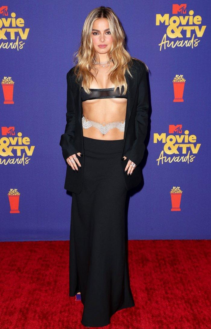 ¡DIOS MÍO!  El vestido Barely-There de los premios MTV de Addison Rae nos deja sin palabras