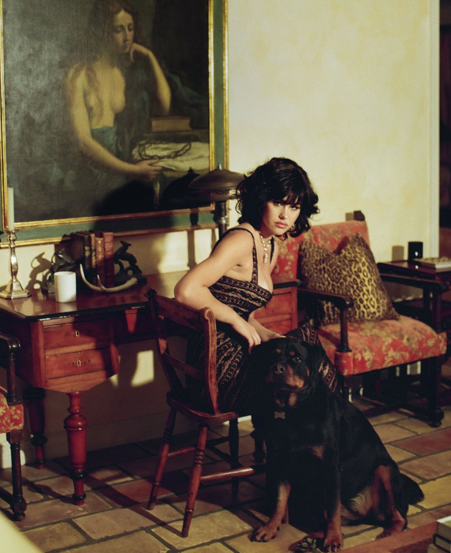 Total Twins! Amelia Gray Channels '90s Lisa Rinna in Vintage Photo Shoot